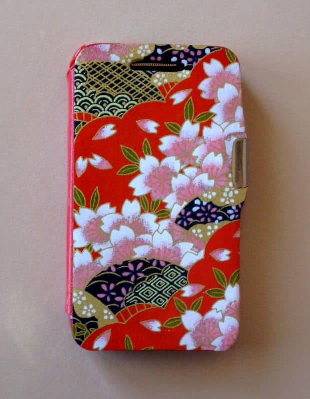 Funda-movil-papel